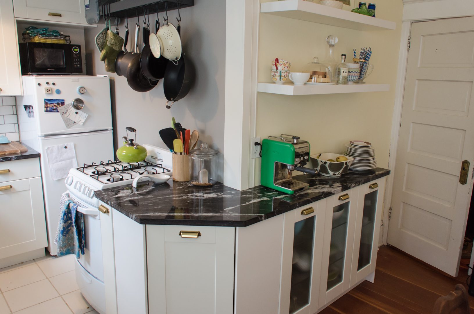 Cabinet plans narrow spaces for Cabinets for narrow spaces